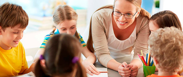 Infórmate sobre nuestros cursos y estancias en inglés para colegios