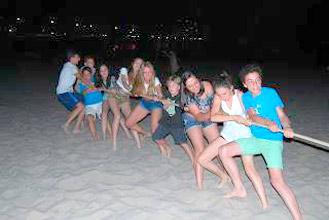 Inglés y juegos en la playa en El Campello