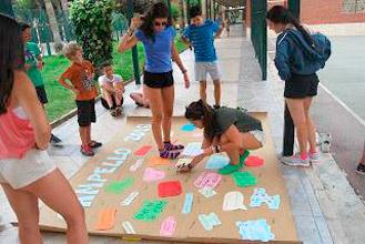 Inglés y colaboración en la playa en El Campello