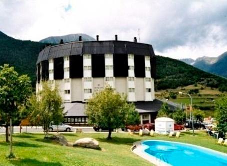 Inglés y juegos en entorno natural en Pirineos Superespot