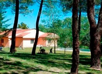 Inglés y juegos en entorno natural en El Trasto